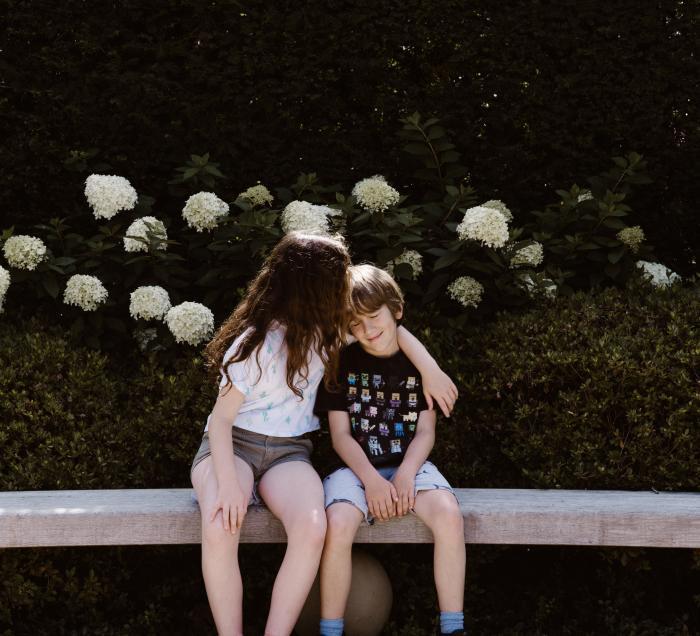 Plus tard je suis sûr que la grande soeur sera la plus attentionnée des grande soeurs